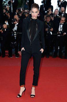 Barbara Palvin Pantsuit - Barbara Palvin chose a very sleek menswear-inspired look with this black tuxedo-style pantsuit.