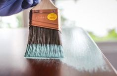 The Beginner's Guide to Annie Sloan Chalk Paint & Wax — the thinking closet Annie Sloan Chalk Paint And Wax, Chalk Paint Wax, Chalk Paint Projects, Annie Sloan Paints, Chalk Paint Furniture, Paint Ideas, Painting Tips, Painting On Wood, Distressing Painted Wood