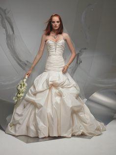 wedding dress #bride www.brayola.com