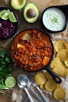 Chili Con Tempeh with Lime Creme - Your new go-to vegan chili recipe! Perfectly spicy, comfortable filling, with an easy lime cashew cream! Gluten free and weeknight friendly.