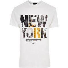 T-shirt imprimé New York blanc - T-shirts imprimés - T-shirts/débardeurs - Homme Shirt Print Design, Shirt Designs, Waistcoat Men, Streetwear, T Shirt Vest, Shirt Men, Fitness Motivation, Mens Tees, Printed Shirts