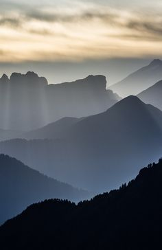 Mountains in Morning Light | Source | Cube Breaker |