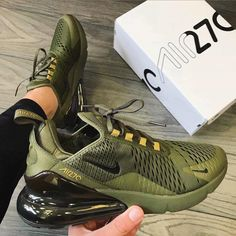 Nike Shoes OFF! ►► 55 nike air max's best shoes suitable for your every day in summer 2019 page 29 Cute Sneakers, Sneakers Nike, Souliers Nike, Sneakers Fashion, Fashion Shoes, Fashion Outfits, Fashion Trends, Nike Air Shoes, Green Nike Shoes