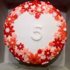 Taart met bloemen hart / flower heart cake