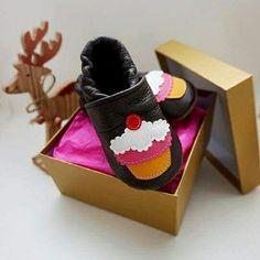 <3 HANDGEFERTIGTE LEDERPATSCHEN   www.littlesister.at/handmade-with-love-neuwaren/ AUS 100% LEDER <3 mit viel Liebe gefertigte Qualitätsware! jetzt auch mit Geschenkspackung erhältlich.