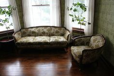 couch and chair 1930s Furniture, Home Furniture, 1930s Decor, Couch, Sofas, Interior Design, Chair, Raisin, Period