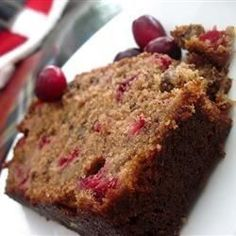Cranberry Nut Bread I I Absolutely amazing recipe! My husband asks for this weekly now! Easy Bread Recipes, Sweet Recipes, Baking Recipes, Cake Recipes, Quick Bread, Healthy Recipes, Food Cakes, Banana Yoghurt Bread, Cranberry Nut Bread