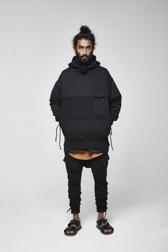 Best and Unique Mens Streetwear Ideas. For quite a while, streetwear and luxury proved mutually exclusive. Streetwear has revolutionized the area of fashion, and it has come to be a lifestyle. Urban Fashion, Mens Fashion, Fashion Outfits, Mens Streetwear Fashion, Fashion Black, Hijab Fashion, Sneakers Fashion, Girl Fashion, Men Street