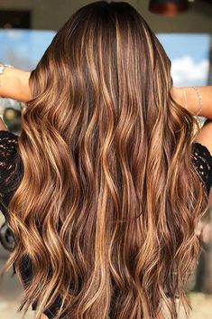 Hair Color 2017/ 2018      Chestnut Brown With Carmel Blonde Highlights #chestnu... - #2017 #2018 #Blonde #Brown #Carmel #chestnu #chestnut #color #hair #highlights