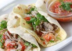 Tacos de Carne de Res Deshebrada con Salsa Picada Mexicana