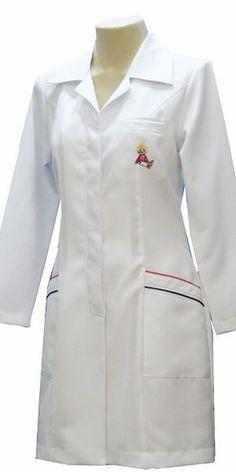 Renatta Aventais, Jalecos - Porto Alegre Doctor White Coat, Doctor Coat, Scrubs Pattern, White Lab Coat, Scrubs Outfit, Lab Coats, School Dresses, Medical Scrubs, Nursing Dress