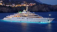 For many people, a yacht is at the top of their wish list if they had enough money to buy one. Millionaires and billionaires often by a yacht as a status Most Expensive Yacht, Expensive Cars, Big Yachts, Sailing Yachts, Yacht World, Grand Luxe, Private Yacht, Yacht Boat, Luxury Yachts