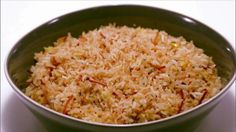 Justine makes an easy Monday side dish: chicken-flavored toasted rice. Sunday Dinner Recipes, Supper Recipes, Side Recipes, Dinner Ideas, Sunday Dinners, Chicken Flavored Rice, Chicken Flavors, Chicken Recipes, Chicken Rice