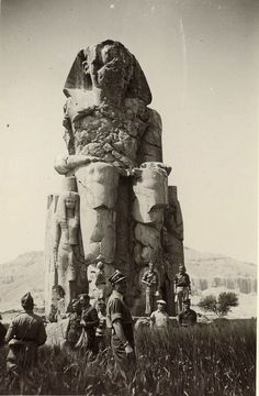 Polish Independent Carpathian Rifle Brigade soldiers enjoying some off time in Egypt circa 1941 Ancient Mysteries, Ancient Ruins, Ancient Artifacts, Ancient History, Ancient Egyptian Architecture, Architecture Old, Old Egypt, Egyptian Art, African History