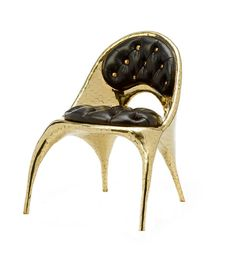 Our favorite Italian brand Versace never cease to be imperialistic if they can. The LA-based artist and designers Nikolai and Simon Haas (The Haas Brothers) have created a special furniture collection for Versace Home. Yes, and it's all gold with Donatella Versace, Gianni Versace, Casa Versace, Versace Home, Versace Versace, Versace Furniture, Home Furniture, Furniture Design, Baroque Design