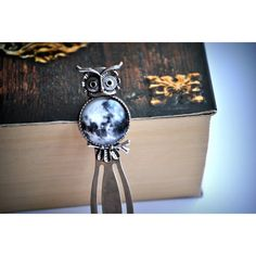 Handmade bookmark with a base in a shape of owl with a full moon graphics under glass caboshon  Size of graphics: 2 cm Total lenght: 9 cm  Perfect gift for those who love spending long evenings with a book