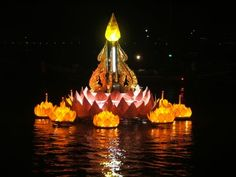 Wish we had this Thai festival here in the states.