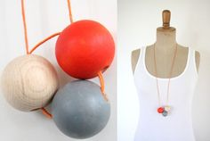 Geometrische Halskette mit 3 Holzkugeln // Geometrical necklace with three wooden beads by Springinkerl via DaWanda.com