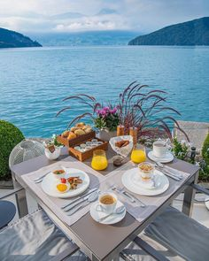 Beautiful Villas, Beautiful Hotels, Beautiful Places, Travel Around The World, Around The Worlds, Cavo Tagoo Mykonos, Santorini House, Egyptian Food, Vacation Places
