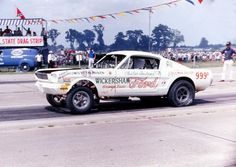 The Wickersham Ford Mustang, out of Beaumont, Texas, was alwys a consistent performer. Driver was Clester Andrews. Nhra Drag Racing, Auto Racing, Vintage Mustang, Mustang Fastback, Pony Car, Vintage Race Car, Drag Cars, Car Humor, Custom Cars
