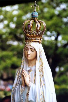 Le sanctuaire de Notre-Dame de Fatima, au Portugal, est l'un des plus universellement connus, depuis les événements grandioses qui s'y sont déroulés notamment durant l'année 1917.: