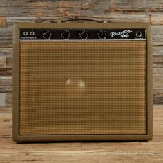 Superb 1962 Princeton in a brown finish. What a fantastic amp of it's time! The Princeton model is still going strong today. Fender released a 1965 version of this beauty, which is to die for. Cheap Guitars, Guitars For Sale, Fender Guitar Amps, Acoustic Guitar, Fender Vintage, Vintage Guitars, Princeton Reverb, Music Down, Valve Amplifier