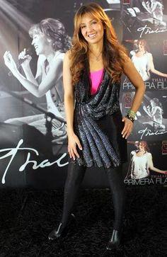 Thalia está no México para homenagear Chesperito !
