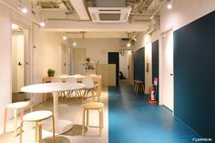 Blue room to have a calm time. ➤IMANO TOKYO HOSTEL / CAFE&BAR http://imano-tokyo.jp/  #japankuru #japan #hotel #hostel #imanotokyo #cheaphotel #shinjuku #新宿 #新宿住宿 #新宿旅行 #膠囊旅館 #青年旅館