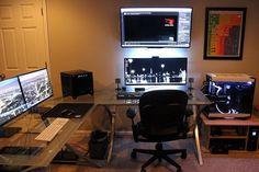 自分の部屋の写真を撮ってネットに公開するといった事は、以前から各サイト・掲示板な... Pc Gaming Desk, Best Gaming Setup, Gaming Room Setup, Pc Desk, Computer Setup, Pc Setup, Office Setup, Desk Setup, Video Game Rooms