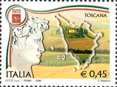 """2006 - Regioni d'Italia: Toscana - a sinistra, stemma, un particolare del """"David"""" di Michelangelo (ora presso la Galleria dell'Accademia, in Firenze), sullo sfondo un paesaggio sul quale è delineato il profilo della Regione Toscana."""