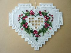 tutorial - lovely bound ornaments