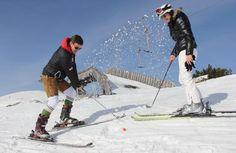 Ski-Golf: Auf dem Feuerkogel werden am Samstag die Weltmeister im Skigolf ermittelt. Mehr Bilder des Tages auf: http://www.nachrichten.at/nachrichten/bilder_des_tages/ (Bild: Reinhard Hörmandinger)