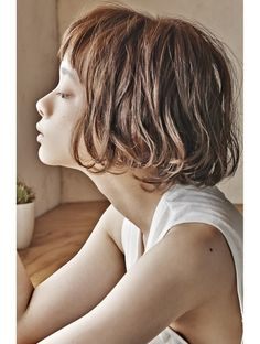 visit to watch more ! Permed Hairstyles, Short Hairstyles For Women, Medium Hair Styles, Curly Hair Styles, Hair Arrange, Lob Haircut, Short Wavy Hair, Salon Style, Hair Photo