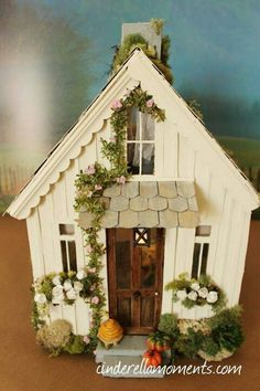 Cinderella Moments: Pearl Cottage - Another Cinderella Moments Shabby Chic Custom Dollhouse Shabby Chic Living Room, Shabby Chic Decor, Popsicle Stick Houses, Putz Houses, Doll Houses, Bird Houses Painted, Fairy Garden Houses, Paper Houses, Cardboard Houses