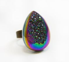 Beautiful jewelry at this site.