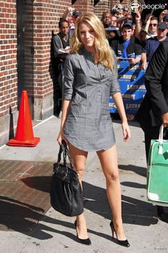 Blake Lively - Bag Chanel Shoes Louboutin