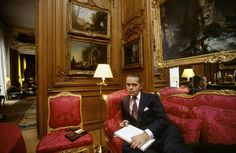 Karl Lagerfeld at home. Karl Lagerfeld, Classic Interior, Luxury Decor, Successful People, Old World, Photos, Collection, French Interiors, Courtyards