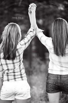 sisters, friends                                                                                                                                                                                 Más
