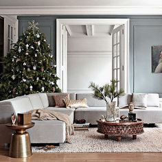 photos of living rooms decorated for Christmas | Gorgeous Christmas Decorating Ideas Images. Marvelous Living Room with ...
