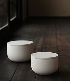 These bowls have the kind of masterful simplicity I love.