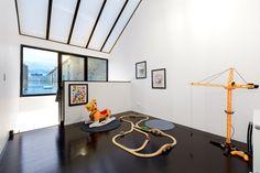 Gallery of Monolith House / Rara Architecture - 6
