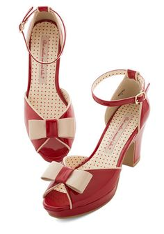 1940s Womens Shoes. Bowed and Boating Heel in Rouge $69.99