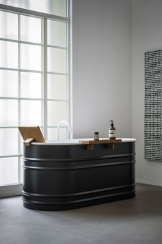 A contemporary revisitation of oldfashioned bathtubs, Vieques is in steel, with a white internal finish and white or dark grey exterior. It is complemented with a teak shelf and backrest. A charming combination of ancient and modern: the retroinspired tub with the chic minimalism of the Fez tap in a matt white finish. Presented in …