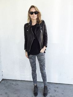 // ANINE BING Camouflage pants – ANINE BING Charlie boots – ANINE BING leather jacket – ANINE BING t-shirt – Rayban sunglasses // The post C A M O appeared first on Anine's World.