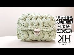 Here's a unique little crochet circle purse design for you guys. Measurements: About 8 inches wide by 8 inches length with a diameter of 22 inches For free written pattern on my Zig Zag Crochet, Diy Crochet Bag, Crochet Purse Patterns, Crochet Flower Tutorial, Crochet Circles, Crochet Amigurumi, Crochet Slippers, Crochet Russe, Russian Crochet