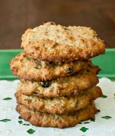 Banana-Oatmeal Power Cookies  These fiber-rich banana-oatmeal cookies give you the energy to power through your day. With ingredients like raisins, dried cranberries, walnuts and flax seeds, this cookie is equal parts healthful and delicious, so dig in!