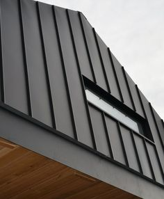 Zinc standing seam window Roof Cladding, Steel Cladding, Exterior Wall Cladding, House Cladding, External Cladding, Corrugated Roofing, Container House Design, Metal Homes, Exterior House Colors