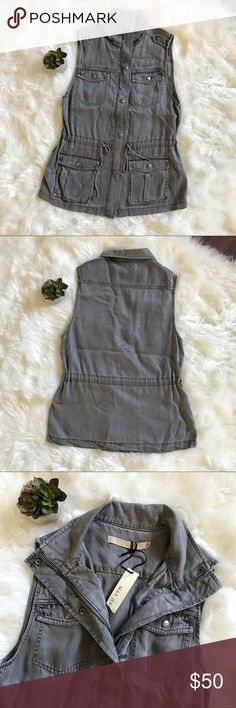"""Max Jeans NWT Utility Vest in Gray XS Max Jeans brand new, perfect condition Utility military vest in Art Gray size XS. Super cute and comfortable, looks great layered for fall! Bust 17.5"""" waist 15""""-17"""" (drawstring to adjust) 💕📬 All of my items ship within 24 hours! Max Jeans Jackets & Coats Vests"""
