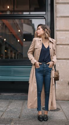Fall Fashion I finally found the perfect beige trench coat - Le Dressing Idéal- Trench Coat Outfit, Beige Trench Coat, Trench Coats, Trench Coat Style, Coat Dress, Trench Burberry, Burberry Outfit, Beige Outfit, Outfit Loafers