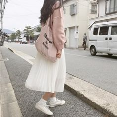 77 fabulous spring outfits to wear now 9 Style Ulzzang, Ulzzang Fashion, Hijab Fashion, Fashion Outfits, Korea Fashion, Asian Fashion, Look Fashion, Girl Fashion, Cute Casual Outfits